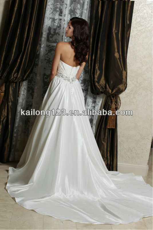 Popular Sweetheart Ball Gown Chapel Train Beaded Gems Belt Taffeta Free  Shipping Wedding Dress 2013-in Wedding Dresses from Weddings   Events on ... c4e9c6ec5b6b