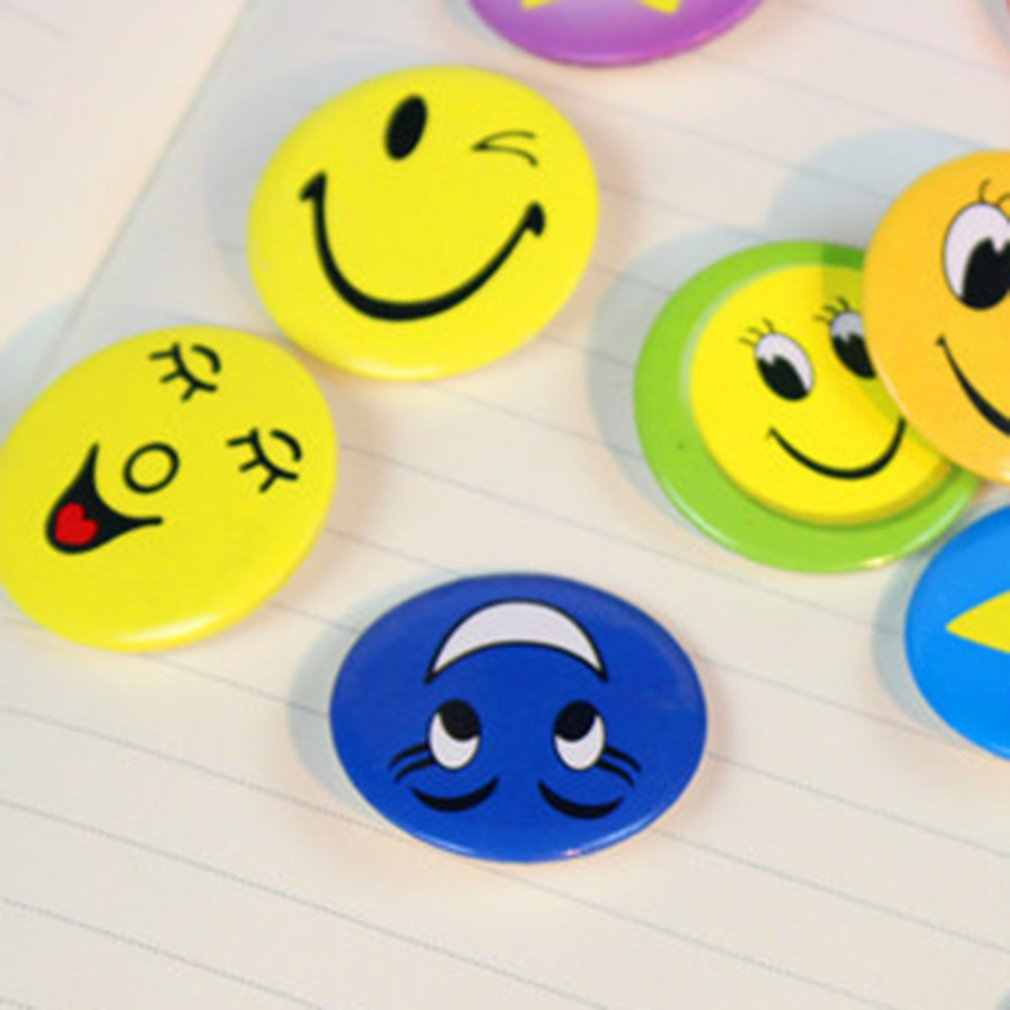 Say Hi Party Favor ของขวัญน่ารัก Smile เข็มกลัด 45 มม.Pin บริการ Smile เกมเด็กโรงแรมเครื่องประดับ
