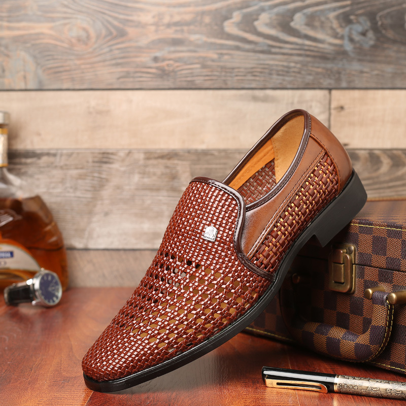 2019 New Summer Men's Leather Sandals Genuine Leather Soft Bottom Slip-on Shoes Hole Shoes Middle-aged Hollow Weave Dad Shoes(China)
