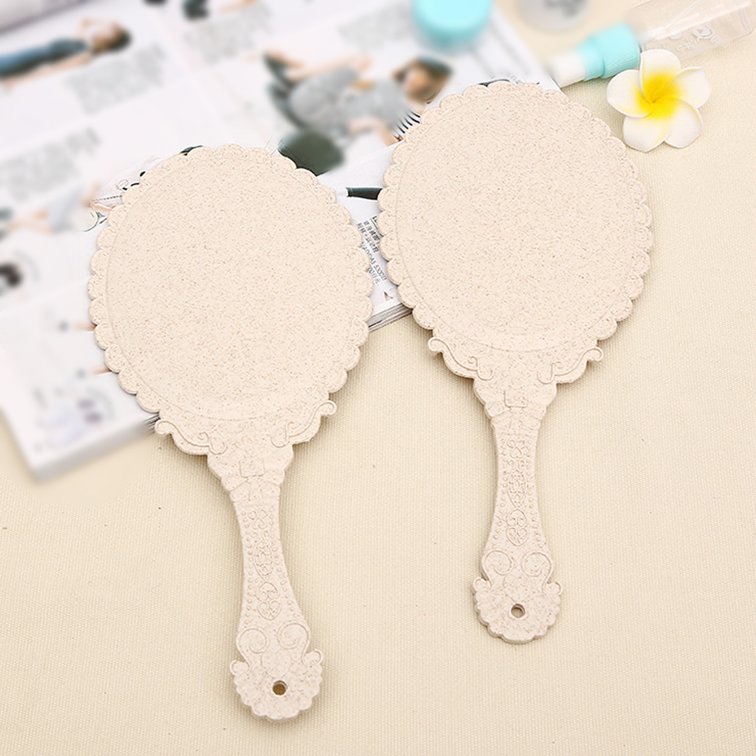 Hot Cute Silver Vintage Ladies Floral Repousse Oval Round Makeup Hand Hold Mirror Princess Lady Makeup Beauty Dresser Gift