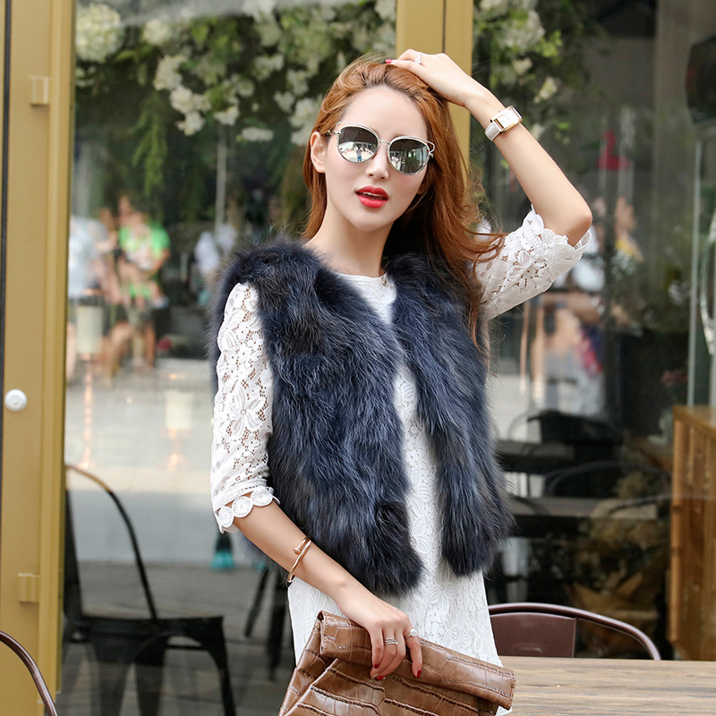 Raccoon fur fur vest brief paragraph 2017 of the new winter fox fur coat MAO wholesale undertakes to haining leather