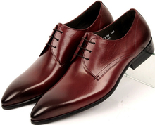 Красно-коричневый/черный острым носом мужские свадебные туфли одеть обувь из натуральной кожи oxfords бизнес обувь мужские офисные туфли
