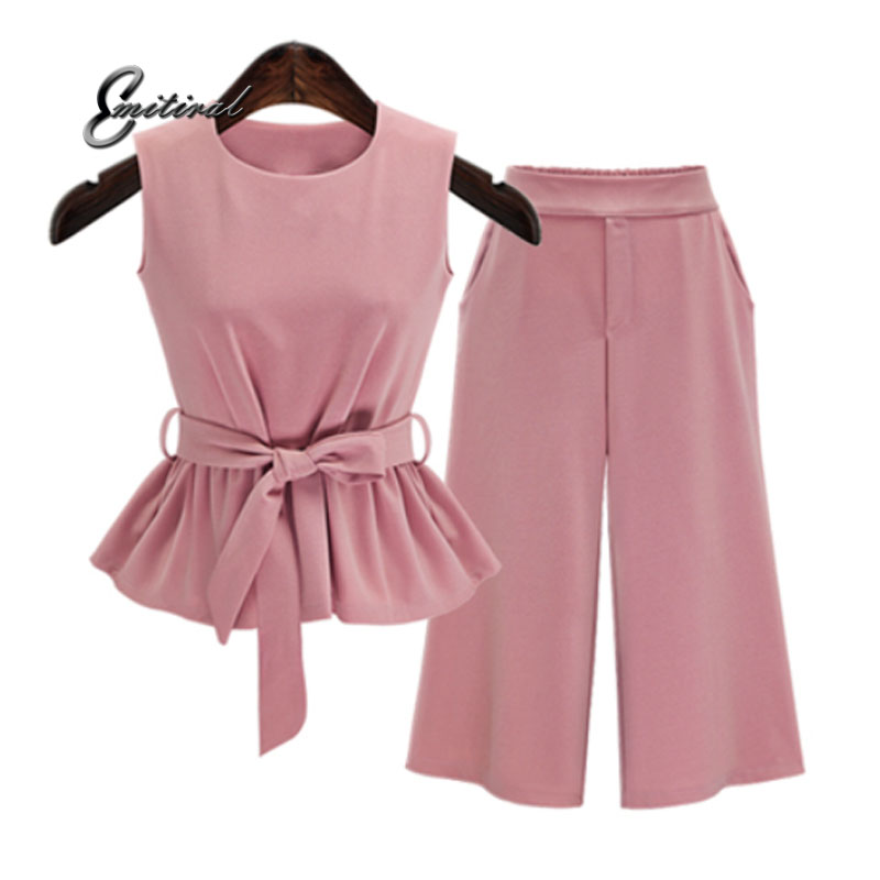 2018 Plus Size 5Xl Summer European Style Sleeveless Tops Three Quarter Pants Women Sets Pink Color Sashes Bow Female Suits