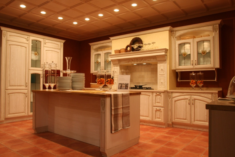 Luxury Classic Solid Wood Kitchen Furniture
