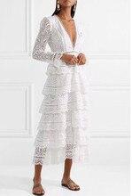 فستان دانتيل أنيق طبقات بأكمام طويلة وصدر مفتوح