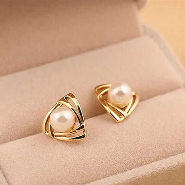 2018 New Time-limited Trendy Zinc Alloy Brinco Hot Fashion Simulated Pearl Geometric Triangle Stud Earrings For Woman Jewelry