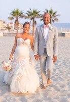 Последние конструкции пальто брюки светло серый льняной Повседневное пользовательские пляжные Нарядные Костюмы для свадьбы для Для мужчи