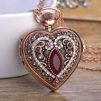 f46d312370d4 COLLAR COLGANTE de reloj de bolsillo de resina corazón turco para Mujer  hombre Retro cristales de oro antiguo Mujer Masculino suéter abrigo Bijoux