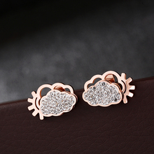 цена на Punk Style Stainless Steel Cloud & Gear Stud Earring for Women Rhinestone Boucle D'oreille Fantaisie Fadeless Dropshipping