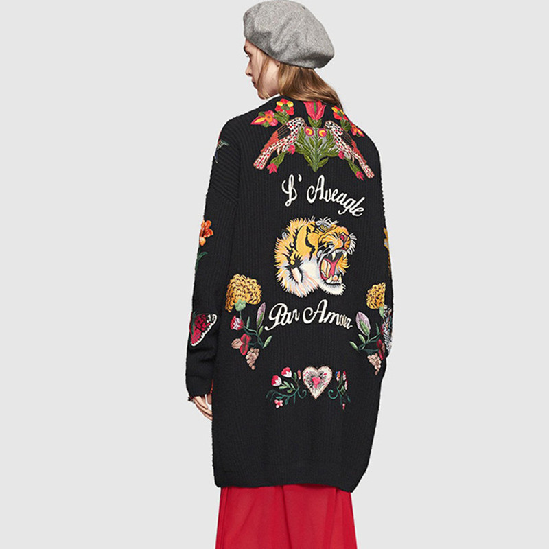 2016 winter Europe tiger flowers pin female loose sweater knitted cardigan in the long embroidered jacket