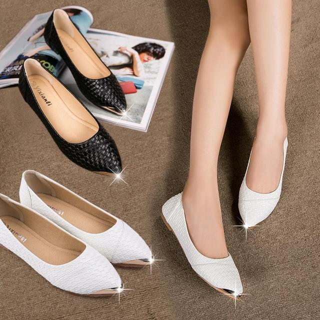 Women's Casual Floral Print Metal Decorative Pointed Toe Flats Shoes Knitted Ladies Work Shoes Classic Single Shoes