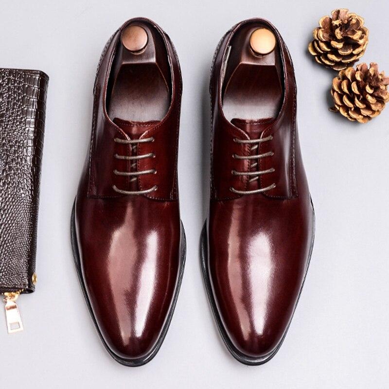 Homem Britânico Apartamentos Festa De Genuíno Formal Pé Calçado Casamento Redondo vermelho Brogue Dedo Derby Sapatos Preto Ss363 Esculpida Do Artesanal Vestido Vinho Dos Couro Homens rqvWtr