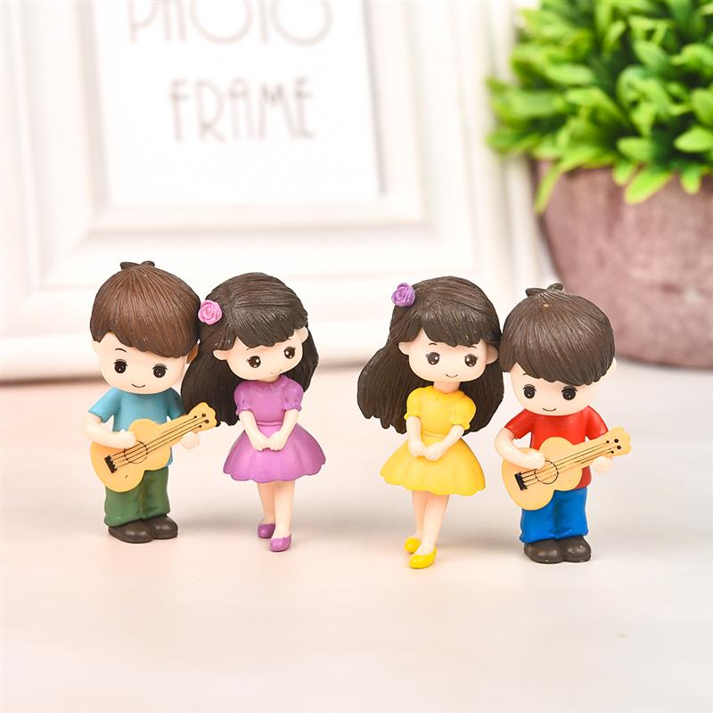 1 pair Sweety Lovers Couple with Guitar Figurines Miniature Craft Fairy Garden Gnome Moss Terrarium Gift DIY Ornament Decor