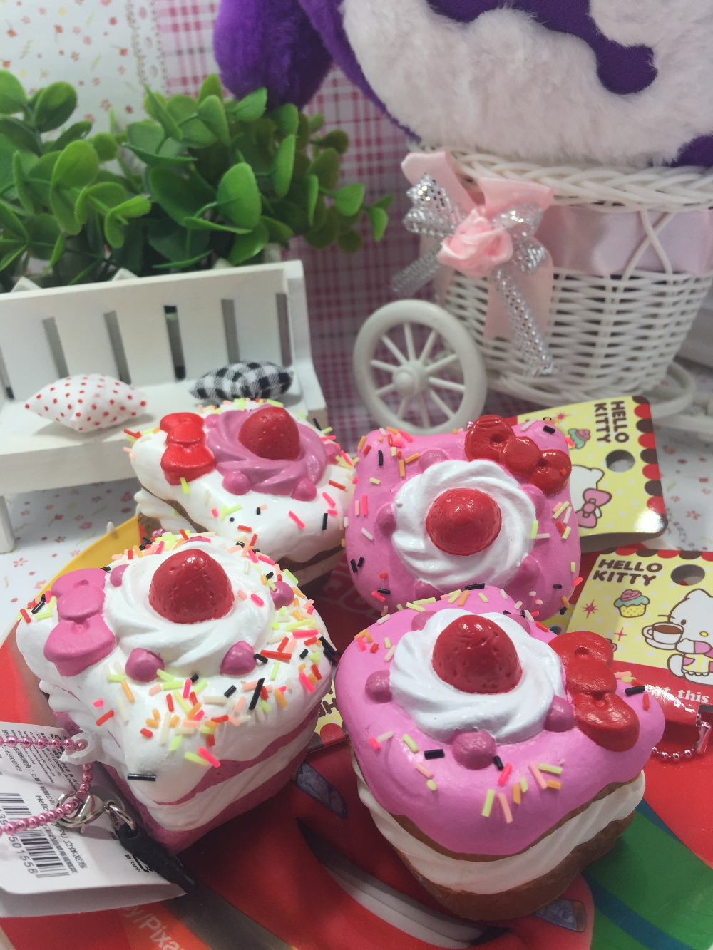 Pachet original Rare Hello Kitty Squishy Tort dulce Squishys Jucării Charm Pink Stress Stripe jucărie Wholesales Squishies 8pcs / Lot 473