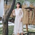 Maken de rug tuin van Franse retro dragen chiffon jurk van afdrukken voor-en nadelen