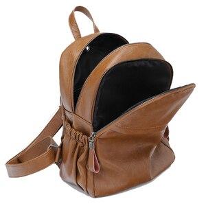 Image 4 - Chuwanglinファッション本革mochila feminina学校のバックパックシンプルなバックパック旅行バッグB5180