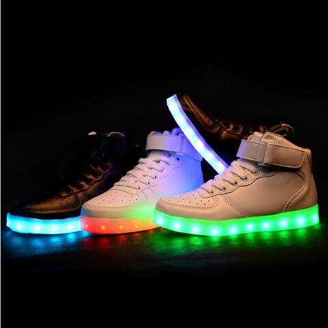 6f3d8c8d Zapatos led de simulación para niños niñas brillantes zapatillas de moda  coloridas de carga USB luminosas para niños zapatos Led en Zapatillas de  Atletismo ...