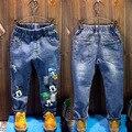 2016 nova primavera outono Crianças Meninas Meninos Buraco calça jeans confortável bonito Dos Desenhos Animados do bebê Roupas Infantis Roupas 20 W