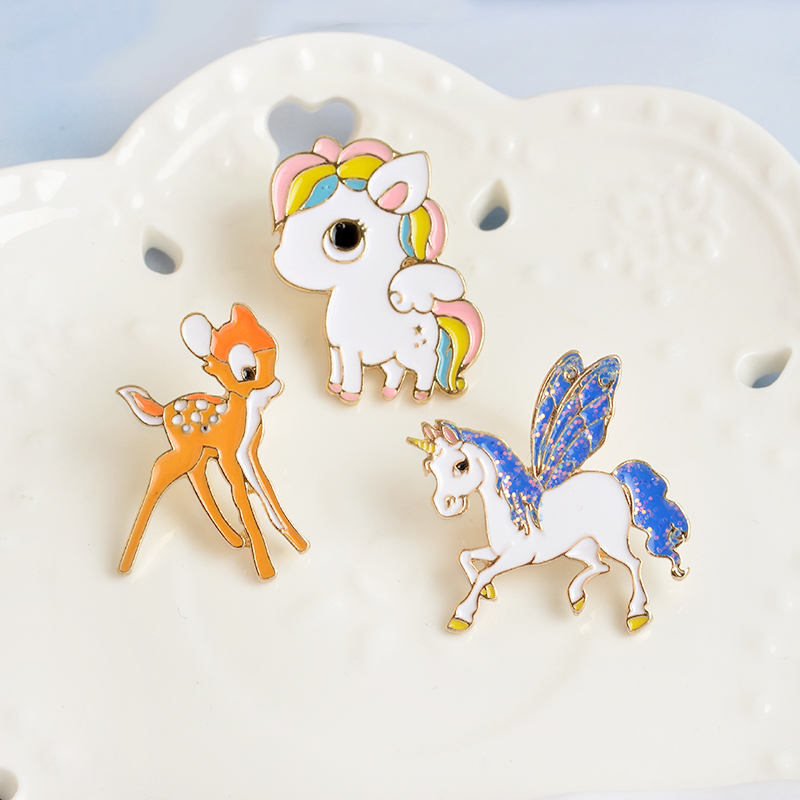 Pony With Wings Horse Unicorn Deer Brooch Button Pins Coat Js