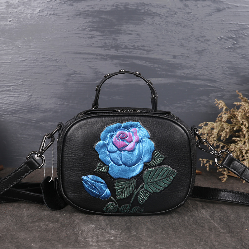 Retro ladies handbags 2017 New autumn and winter small bags Roses women genuine leather handbags fashion Shoulder Messenger bags 2017 fashion all match retro split leather women bag top grade small shoulder bags multilayer mini chain women messenger bags