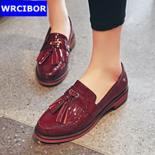 Women Patent leather Vintage Flat Oxford Shoes Woman Flats 2017Fashion tassel British style Brogue Oxfords women shoes moccasins