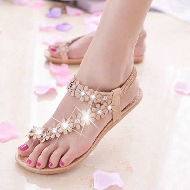 39448d30a958b8 Flowers and Rhinestone Design Girls Gladiator Sandals 2015 Summer Rome  Style Comfortable Sweet White PU Leather Flat Flip Flops