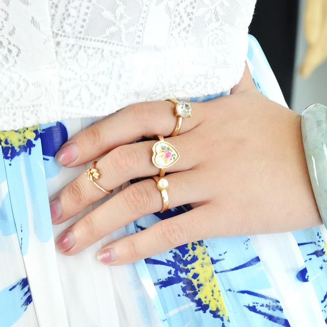 Vintage heart shape ring set. Gold color