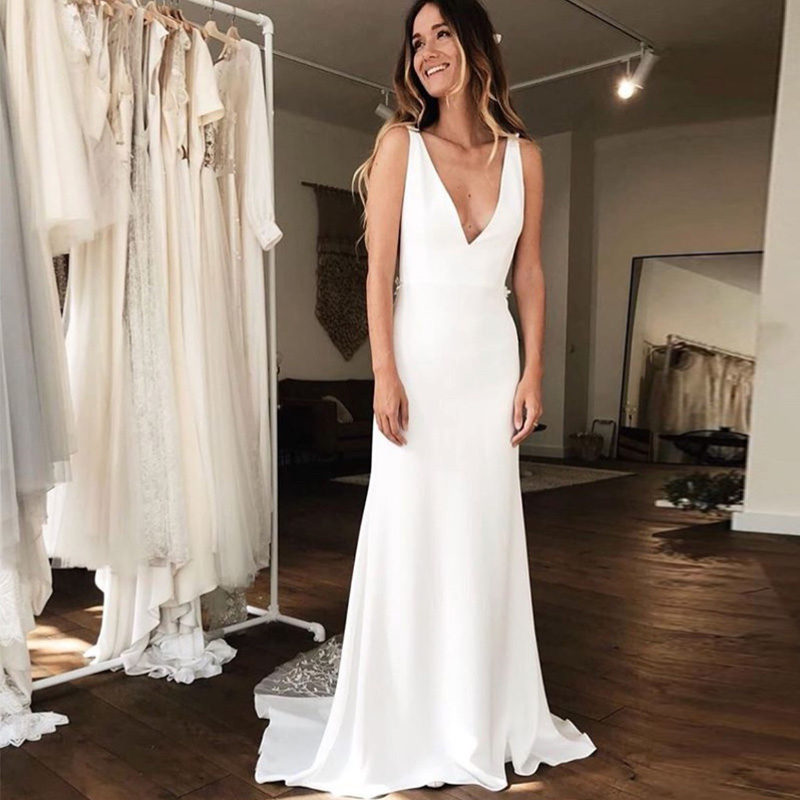 Simple Illusion Mermaid Wedding Dresses Deep V-neck Lace Robe De Maria Backless Chapel Train Vestido De Noiva Bridal Gowns