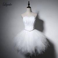 Liyuke Élégant Belle Plumes Robe de Cocktail Sans Manches Lace Up Genou-Longueur Robe De Bal Pour Cocktail