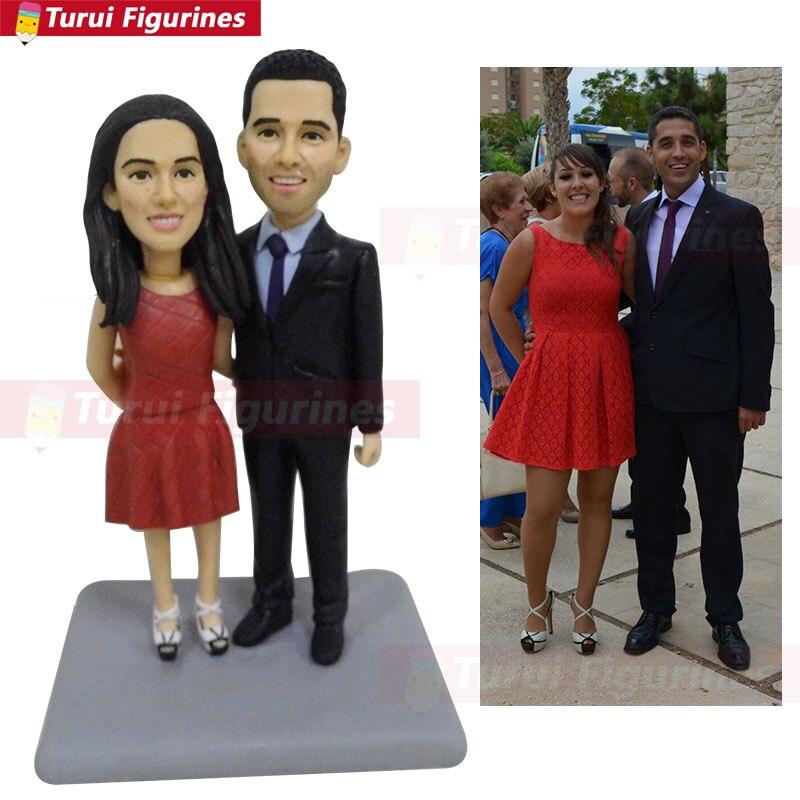 Souvenir d'anniversaire du Couple cadeau significatif artefact unique polymère argile visage humain sculpture robe rouge femme figurine