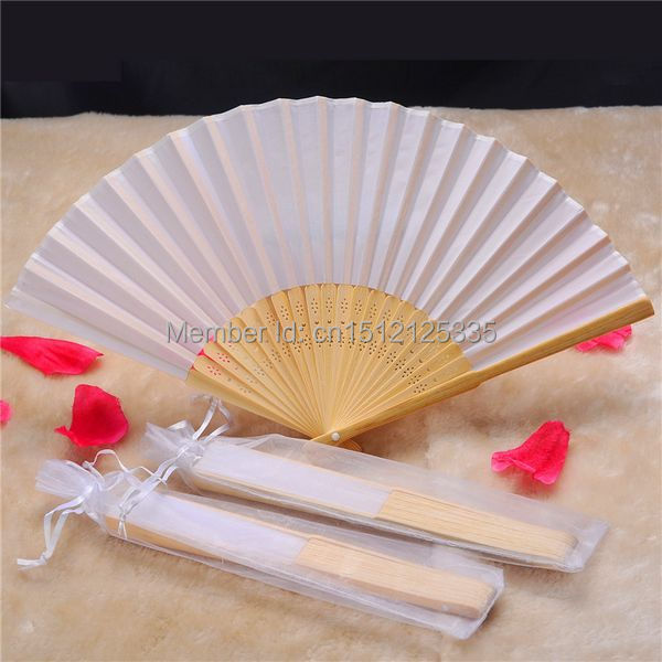 50pcs lot White Folding Elegant Silk Hand Fan with Gift bag Wedding Party Favors Gift