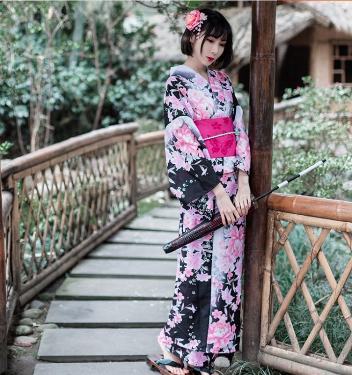 Kimono japonés tradicional rosado kimono de flores de cerezo para mujer Kimono japonés cárdigan tradicional obi yukata mujeres kimonos japoneses tradicionales ropa de Japón mujeres kimono cardigan V1403