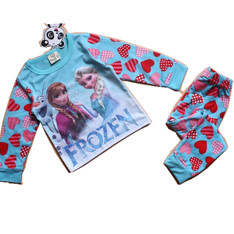 Пижамы и Халаты для