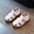 2017 Nuevos Niños Sandalias Niños Sandalias de Verano Sandalias Casuales de Cuero Suave Transpirable bebé Prewalker Niños Zapatos de Playa Sandalia