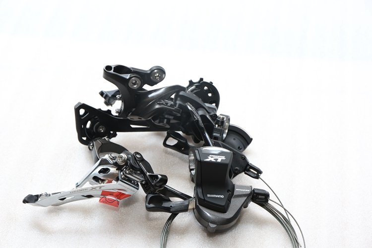 Shimano XT RD-M8000 Rear Derailleur / Shimano XT SL-M8000 I-Spec II Trigger Shifter/ shimano xt m8000 left
