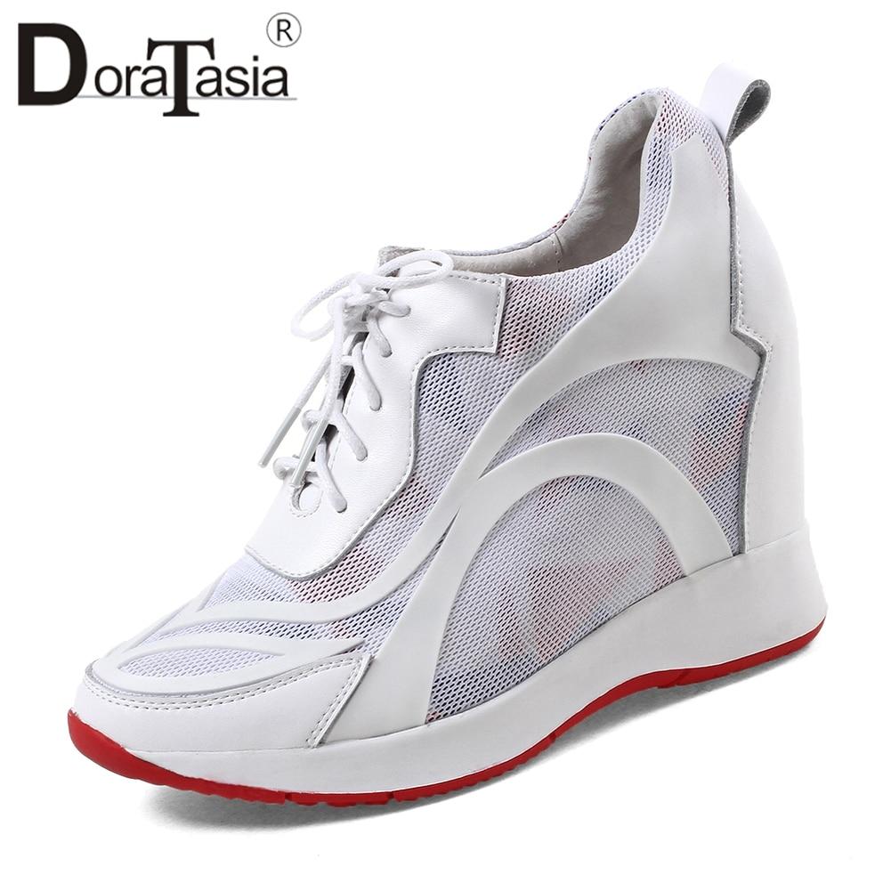 Ayakk.'ten Kadın Topuksuz Ayakkabı'de DORATASIA Büyük Boy 32 40 Moda Kaliteli dantel up Ayakkabı Kadın Hakiki Deri Sonbahar 2019 Kız Ayakkabı Kadın yüksekliği Artan'da  Grup 1