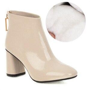 Image 2 - MORAZORA 2020 أحدث النساء حذاء من الجلد مربع عالية الكعب الخريف الشتاء الأحذية الكريستال مشبك موضة أحذية حفلات الزفاف امرأة