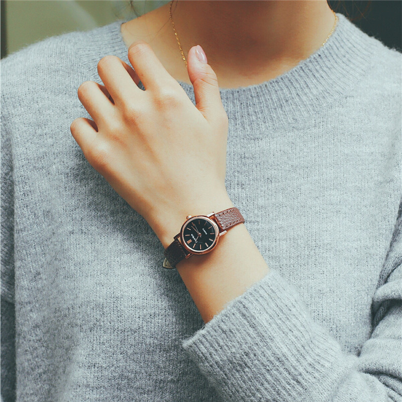 New Fashion Style Leather Watch Women Vintage Watches Female Dress Wristwatches Small Dial 4 Colors Black Brown 1