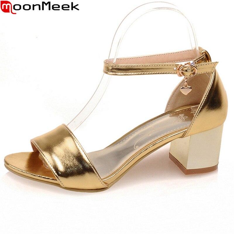 MoonMeek 2018 hot dolce sandali delle donne scarpe tacchi alti punta rotonda con fibbia quadrata tacchi oro argenteo scarpe delle signore scarpe