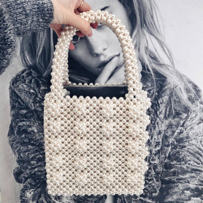 Fashion Vintage Female Top-handle Purse Small Flap Evening Bag Handmade Pearl Lady Luxury Handbags Chic Ins Box beaded Bag Brand contrast mesh pearl beaded detail top