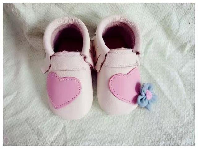 2016 Новый стильный розовый Натуральная Кожа Детские Мокасины Обувь сердце дизайн Детские grils Обувь Новорожденных fringe первый ходок Младенца Обуви