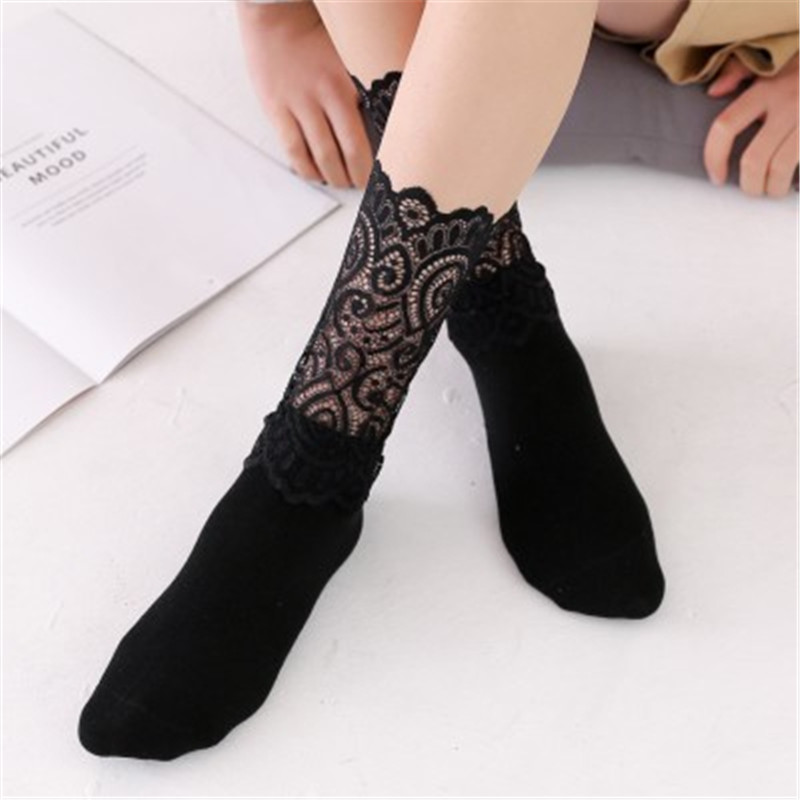 1Pair Summer Sexy Retro Lace Floral Black Mesh Women Girl Socks Elastic Fashion Lady Hipster Lovely Soft Long Socks Female Soxes