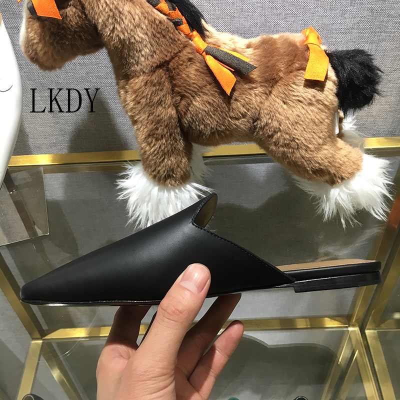 2019 LKDY summer Vacation top quality Genuine Leather Muller slippers home leisure round head half drag