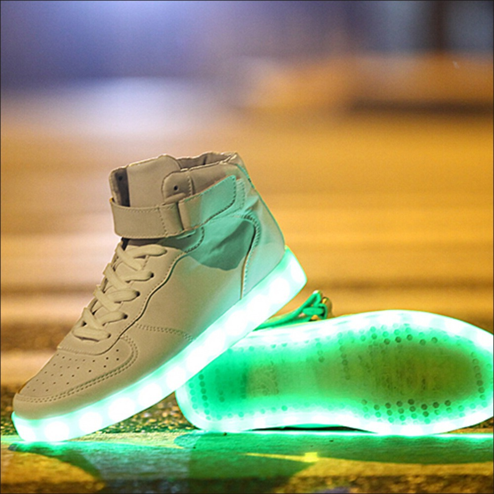 Luminous Shoes chaussure led homme femme basket Light Up Shoes Women LED  Shoes Autumn Winter High Top Growing Shoes For Man-in Men s Casual Shoes  from Shoes ... 2ecd5c3d22