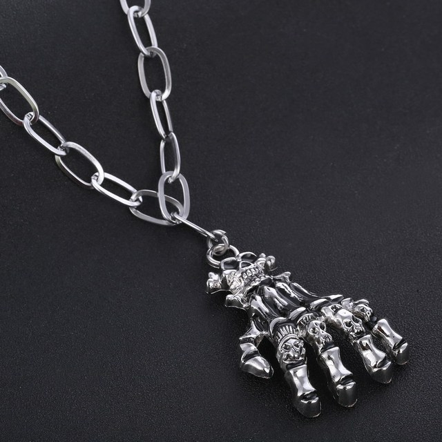 STAINLESS STEEL SKUL HANDS NECKLACE