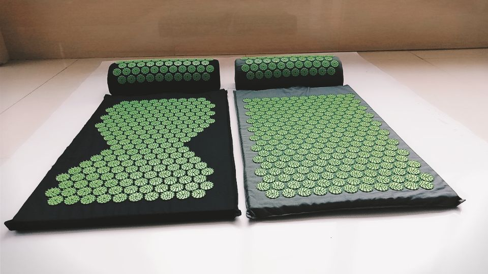 2 Sets Massager (appro.67*42cm)Cushion Mat Massager Relieve Acupressure Body Pain Acupuncture Spike Yoga Mat with Pillow
