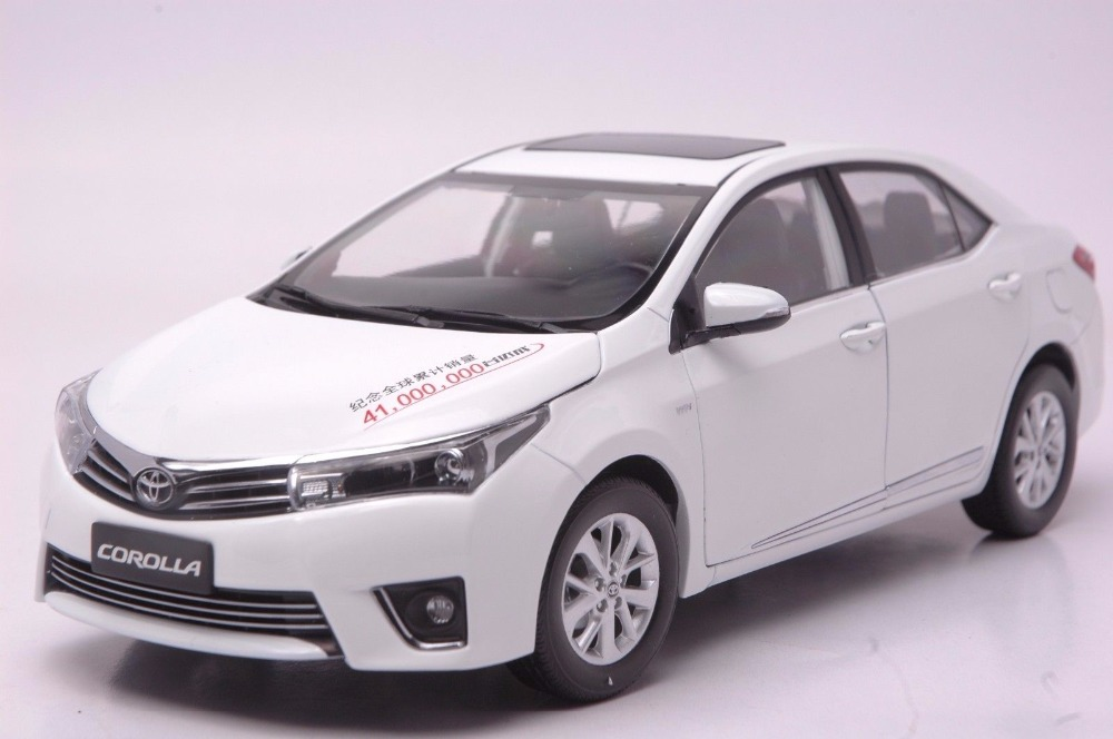 1:18 Diecast Model for Toyota Corolla 2014 White Rare Alloy Toy Car Miniature Collection Gifts цена и фото