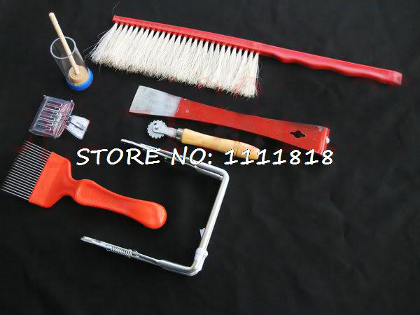 7pcs/Set Beekeeping Beekeeper Equipment Starter Kit Brush+Cage+Uncapping Fork+Queen Catcher+Hive Frame Holder+Embedder+Hive Tool free shipping 10 pcs functional queen cage bee match box moving catcher cage beekeeping tool