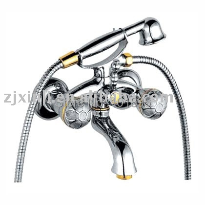 L15809 - Luxury Wall Mounted Chrome Finish Brass Material of Double Handle Bath FaucetL15809 - Luxury Wall Mounted Chrome Finish Brass Material of Double Handle Bath Faucet