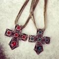 Новое Прибытие Мода Великолепный Ретро Стиль Красный Кристалл Крест Ожерелье Женщины Ювелирные Изделия Рождественский Подарок